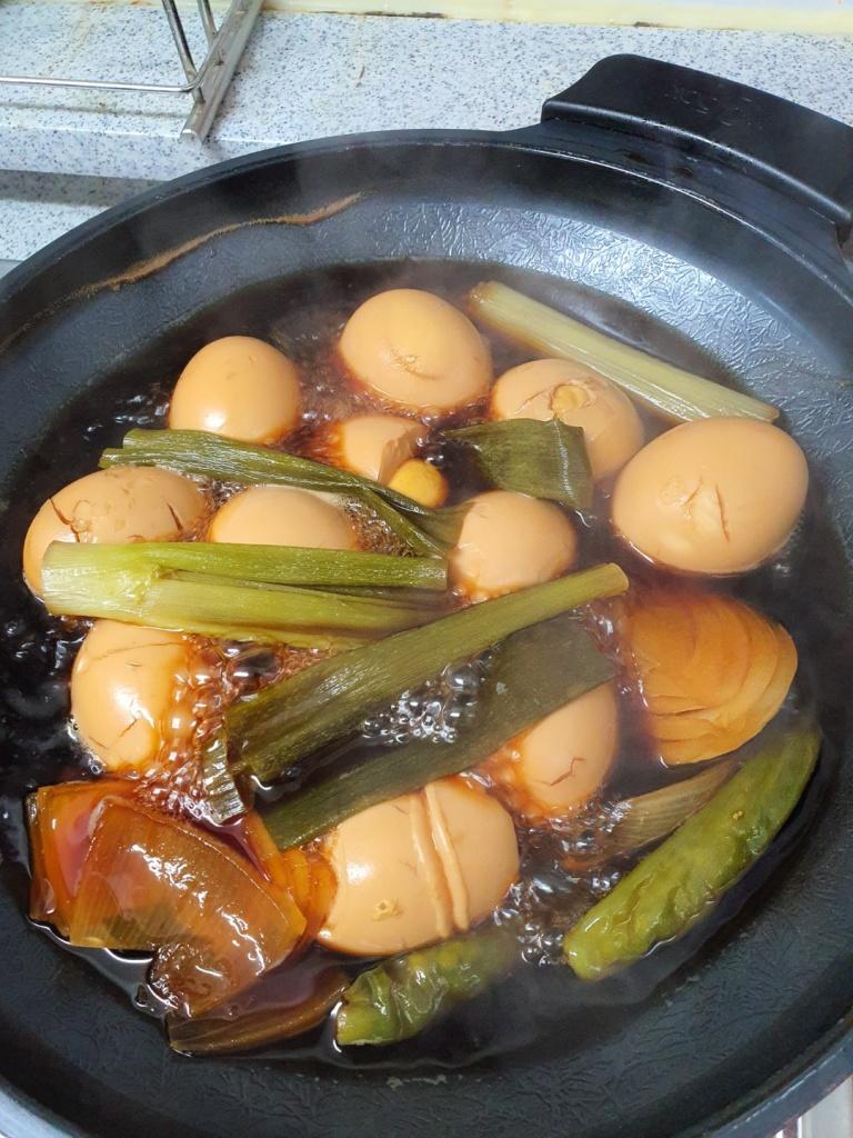 braising korean soy sauce eggs